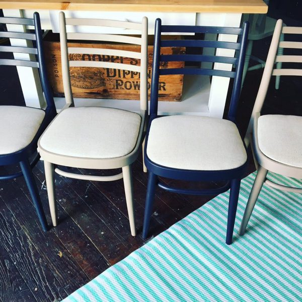 Mid-Century Modern set of 4 chairs.