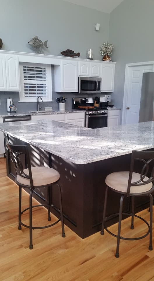 Paint your kitchen with our kitchen refinishing kit